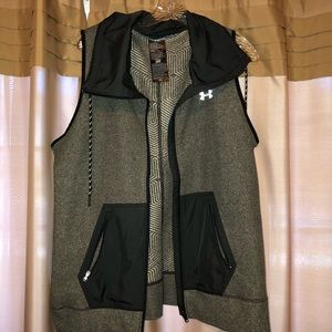 UA light weight vest